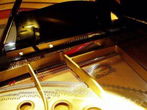 音のでる仕組みに密接に関わっているピアノの構造