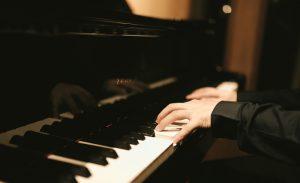 ピアノは独学でも習得可能